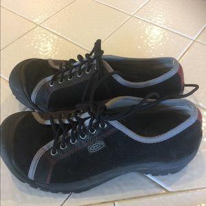 Ladies Keen shoes